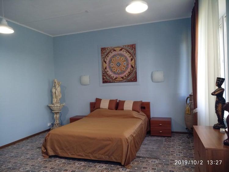 спальня номера ЛЮКС Санаторія ХВИЛЯ